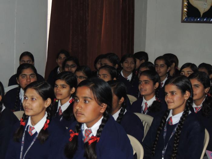 Student's career counselling session at APS Hisar
